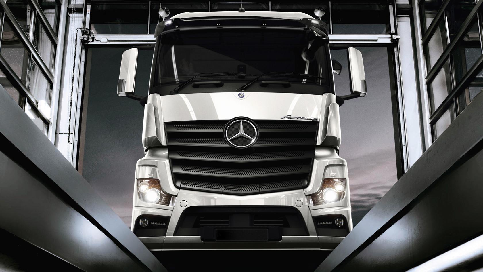 Service and Parts: Service Plans – Mercedes-Benz Trucks