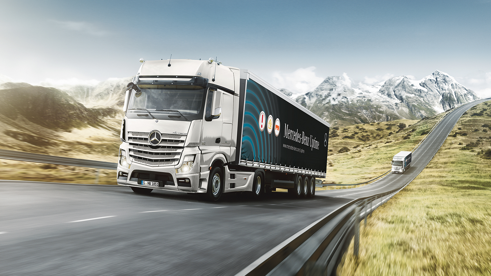 Mercedes Benz Trucks >> Mercedes Benz Roadefficiency Mercedes Benz Trucks Uk