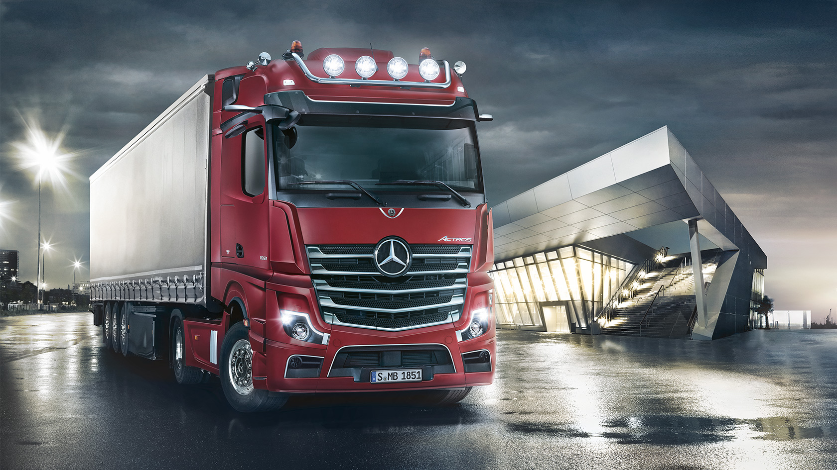 the new actros genuine accessories mercedes benz trucks uk trucks you can trust. Black Bedroom Furniture Sets. Home Design Ideas