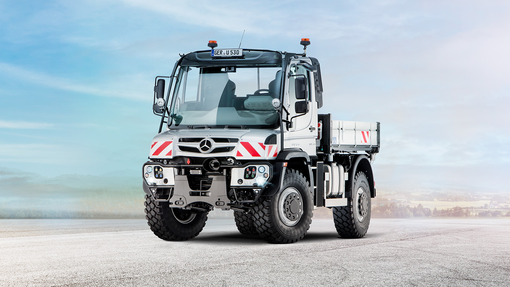 Mercedes Benz Unimog >> Unimog U 216 U 530 Mercedes Benz Trucks Uk Trucks You